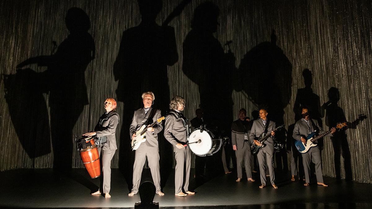 Show Photos - American Utopia - 10/19 - David Byrne - Photo: Matthew Murphy